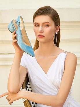 高跟凉鞋搭配方法