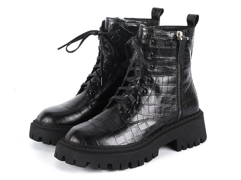东莞懿熙鞋业女鞋生产厂家-马丁靴2020秋冬新款女鞋-女鞋代工工厂