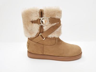 雪地靴清洗技巧图解