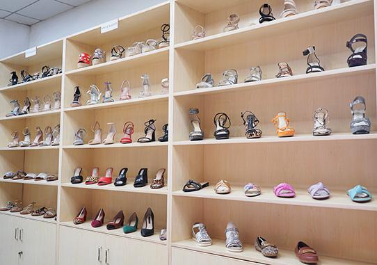 如何选择一家女鞋生产厂家