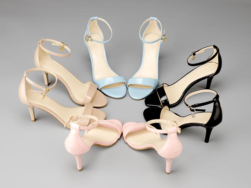 女士气质高跟凉鞋摆拍