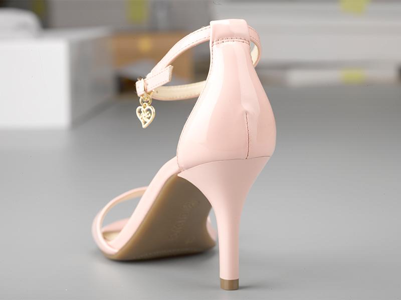 女士气质高跟凉鞋鞋跟
