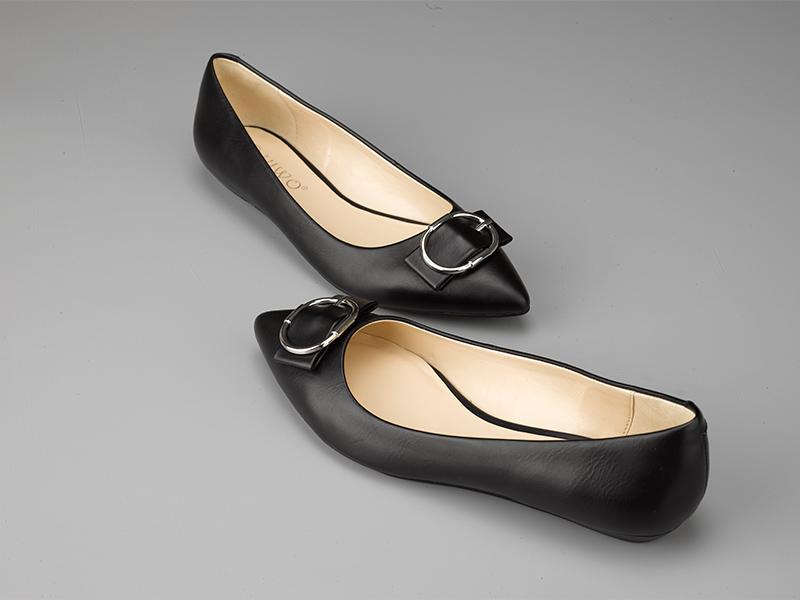 女士经典平底单鞋黑色