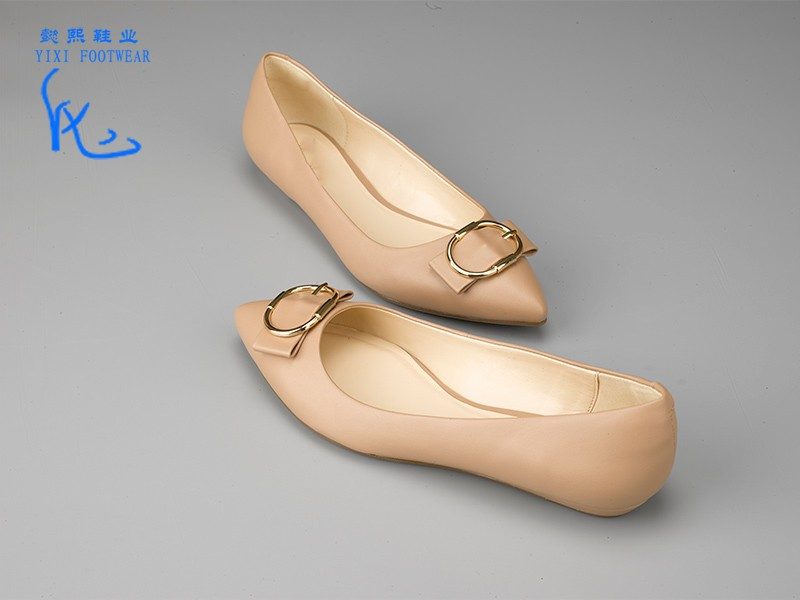 女士经典平底单鞋裸色