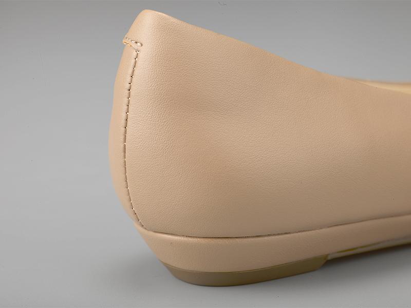 女士经典平底单鞋鞋跟
