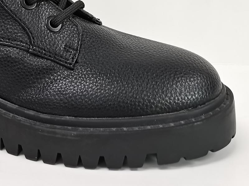 拼接皮革中筒马丁靴鞋头