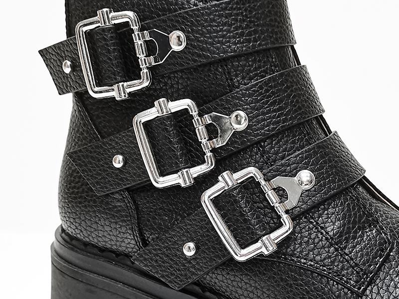 皮革锁扣马丁靴鞋身细节