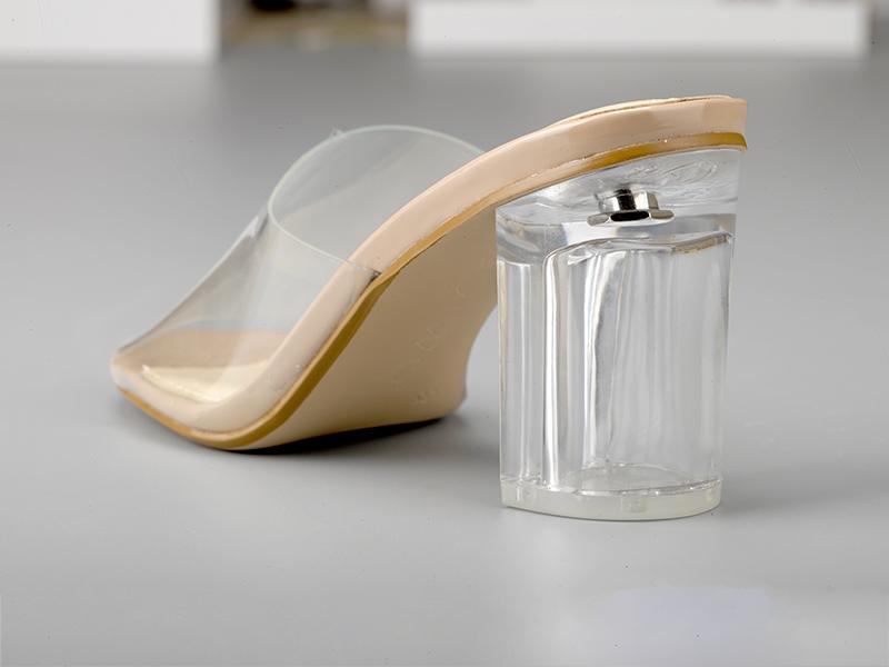 素色粗跟时尚女鞋