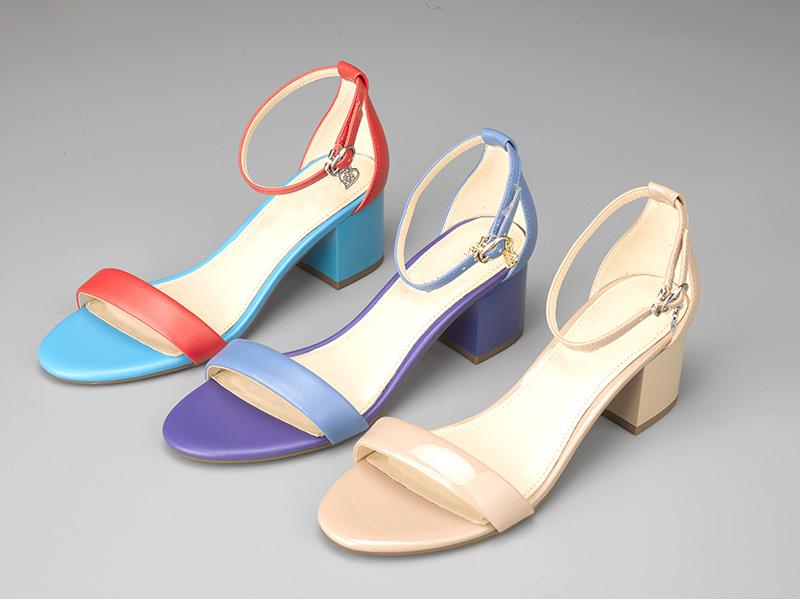 女士粗跟凉鞋三色2