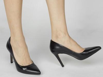 2020修身的高跟鞋,唯美意境的视角,时尚潮流的气场,精美时尚!