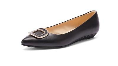 女鞋代加工选材有多重要?懿熙鞋业为您介绍