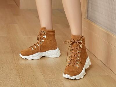 大码女鞋定制成新趋势,懿熙鞋业引领行业新生力!