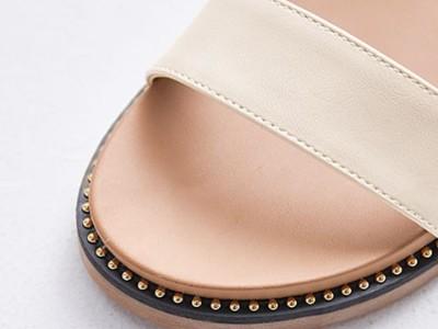 女鞋工厂里的鞋子定制流程