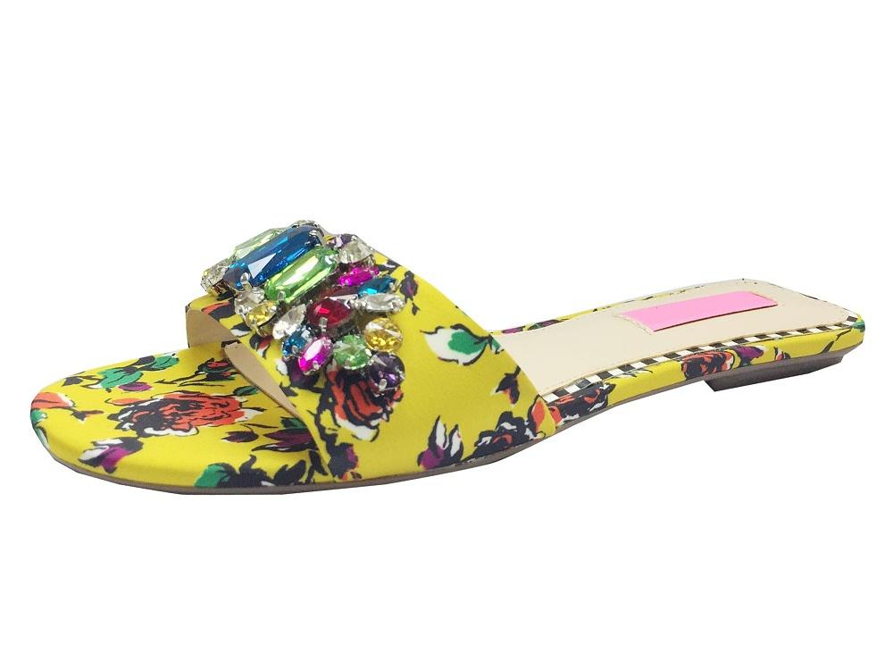女鞋加工厂拖鞋