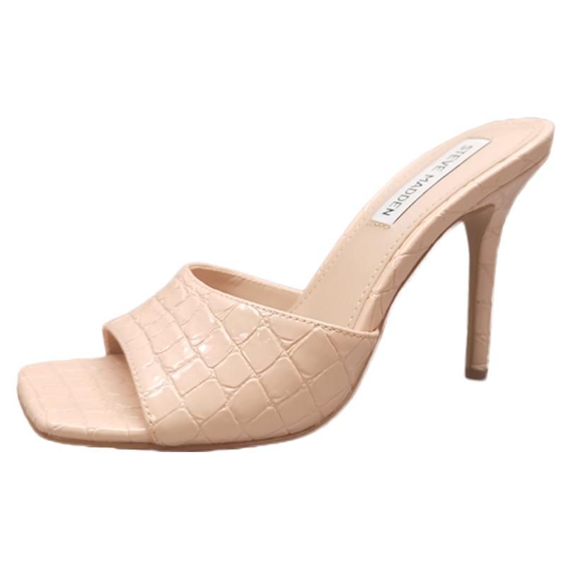 鳄鱼纹女拖鞋