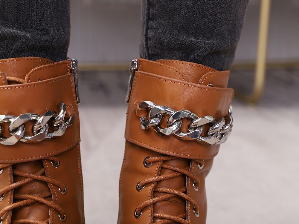 女鞋生产厂家-马丁靴YW-037棕上脚2
