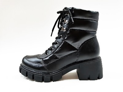 黑色真皮内增高帮女马丁靴