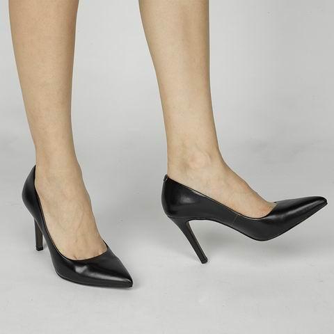 鞋子加工厂家为您讲解鞋子搭配技巧