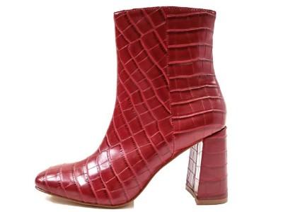 东莞懿熙鞋业女鞋生产厂家-鳄鱼纹马靴-女鞋加工厂