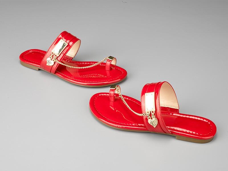 东莞懿熙鞋业女鞋生产厂家-女士时尚链条平底拖鞋-代工工厂