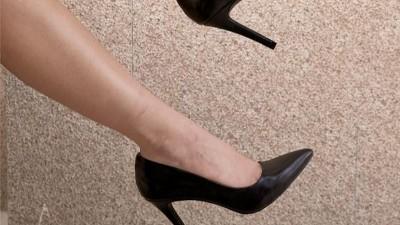 高跟鞋爱好者的必修课 如何为自己选择一双合适尺码的高跟鞋?